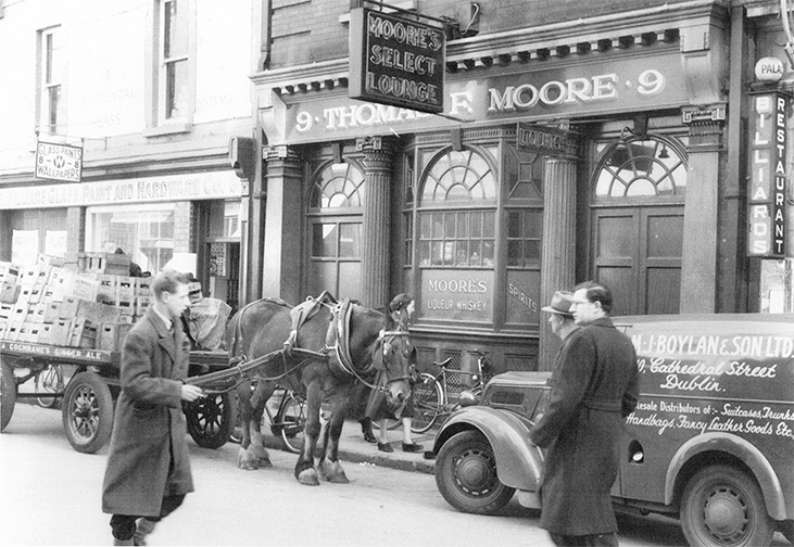 old picture moores pub